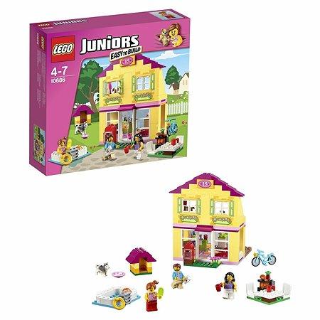Конструктор LEGO Juniors Семейный домик (10686)