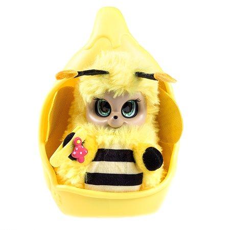 Игрушка Bush Baby world Пушастик Пчелка Бри с аксессуарами Т16317