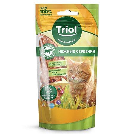 Лакомство для кошек Triol нежные сердечки из говядины с треской 40г