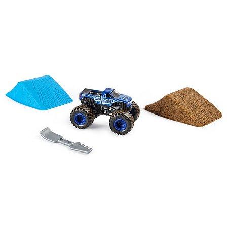 Набор игровой Monster Jam с машинкой Blue Thunder и кинетическим песком 6053301