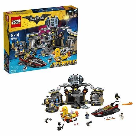Конструктор LEGO Batman Movie Нападение на Бэтпещеру (70909)